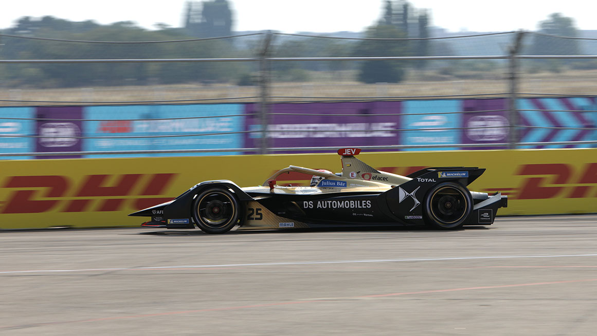 BERLIN TEMPELHOF AIRPORT, GERMANY - AUGUST 09: Jean-Eric Vergne (FRA), DS Techeetah, DS E-Tense FE20 during the Berlin E-Prix IV at Berlin Tempelhof Airport on Sunday August 09, 2020 in Berlin, Germany. (Photo by Alastair Staley / LAT Images)